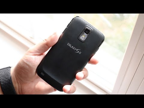 Samsung Galaxy S2 In 2018! (Should You Still Buy It?) (Review)