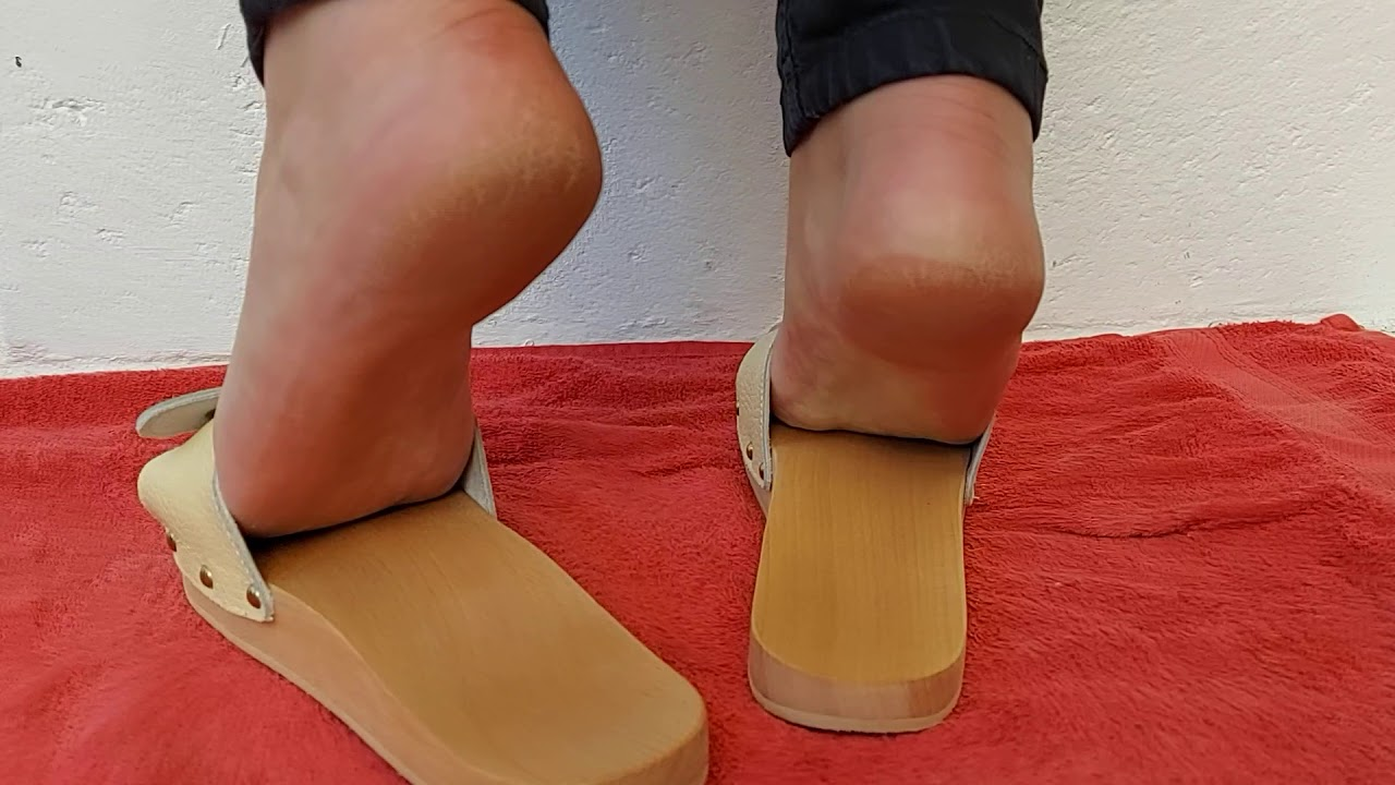 Mature feet shoesplay &slapping in Woody mules