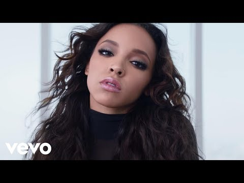 Thumbnail: Tinashe - Player ft. Chris Brown