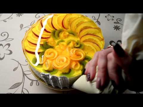 Украшаем торт фруктами и желе!!!