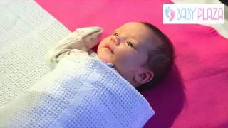 Kỹ thuật quấn cho em bé an toàn vào mùa đông - How to adorably swaddle your  baby