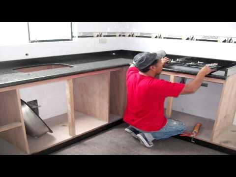 Cocinas empotradas granito marmol cuarzo dekton youtube for Cocinas de marmol y granito