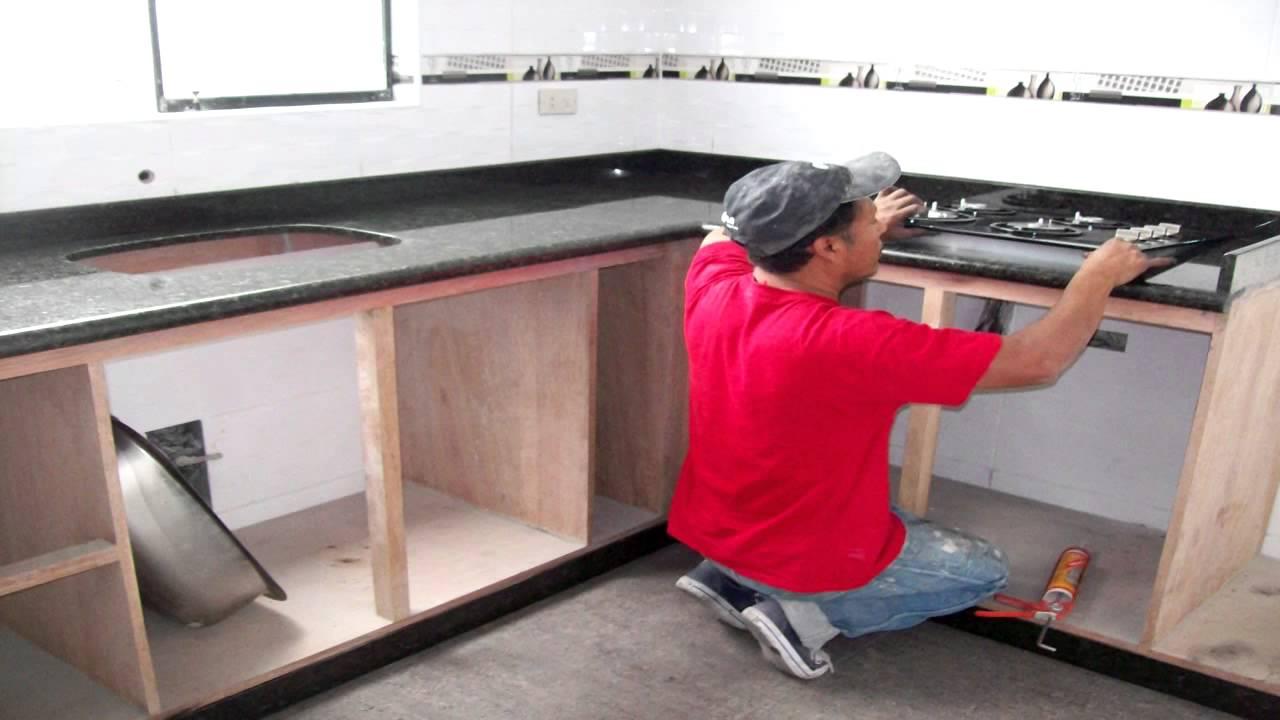 Cocinas empotradas granito marmol cuarzo dekton youtube for Modelos de marmol para cocina