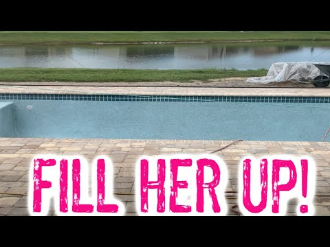 SWIMMING POOL UPDATES! IT'S TIME TO FILL THE POOL! EMMA AND ELLIE