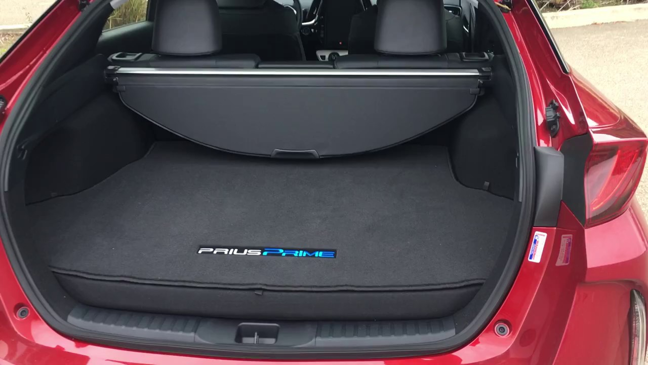 Toyota Prius Prime 2017 A Quick Look At The Cargo Area And Storage Es You