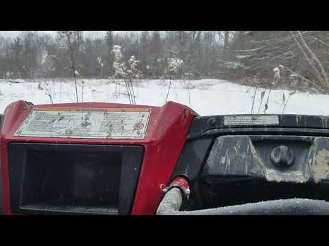 YAMAHA YXZ 1000R SE DRIVING AROUND IN A FOOT OF SNOW