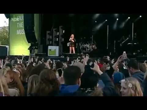 Jessie J - Flashlight (Live Hannover 2015)