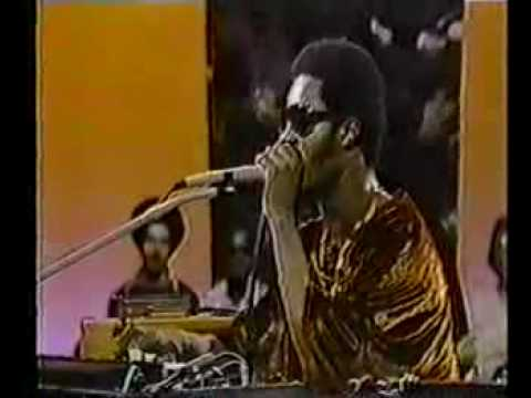 stevie wonder singing papa was a rolling stone