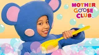 Repeat youtube video Scrub-a-Dub-Dub | Fun Bath Song | Mother Goose Club Songs for Children