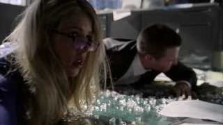 Arrow S2E1 City of Heroes  The Hoods Attack Oliver Queen