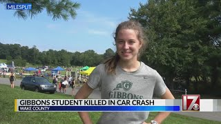 Classmates mourn Raleigh teen girl who died in wreck on way to school