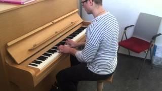 Jenni Vartiainen - En haluu kuolla tänä yönä (piano versio)