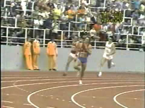 Bruce Jenner running the 400 in the 1976 decathlon