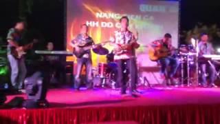 AE band Phan Thiet va saxophone Duc Tri