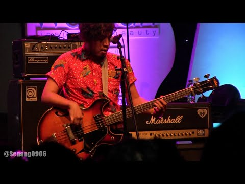 White Shoes & The Couples Company - Aksi Kucing @ Ramadhan Jazz Festival 2015 [HD]