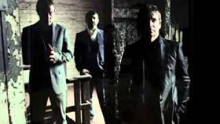 I am Kloot - The moon is the blind eye