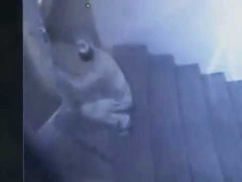 Theft Caught in CCTV Camera at A Office in Delhi - Live Video