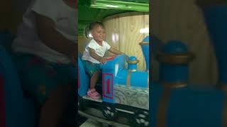 Amelia langi naik  mainan sepur 01