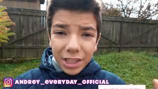 Малыш наряжается  супергероем и спасает брата