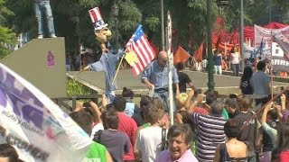 'Obama get out' shouts Argentinian protesters