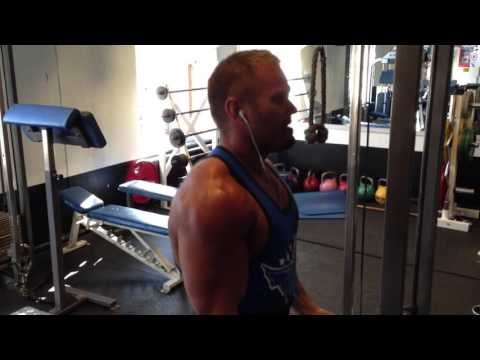 Daniel Stisen Cable-Curl, 24Fitness, Oslo, Norway, 2013