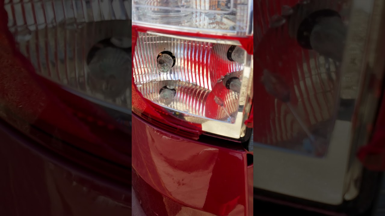 2013 Ford C-max rear tail light repair - one handed
