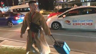 SỐC: Trấn Thành phát hiện Lê Dương Bảo Lâm trở thành người vô gia cư ở Úc.