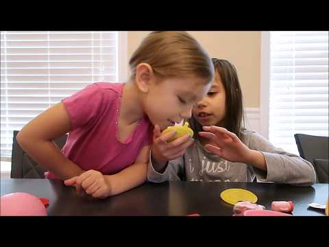 LOL PETS SURPRISE BALLS ARE AWESOME! SUPER FUN KIDS UNBOXING WITH CAT LITTER