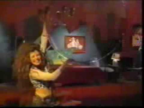 Gloria Trevi Brincan Los Borregos Music Video