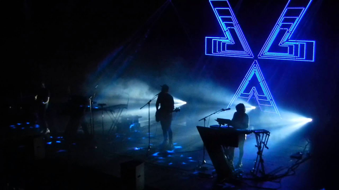 chvrches-you-caught-the-light-berlin-columbiahalle-25032014-berlinmitteboy1307