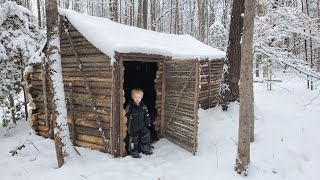 Building Log Cabin By Hand - 9 Days Winter Camping with 3 yr Old in Bushcraft Primitive Shelter