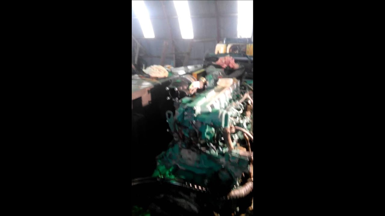 Volvo D7E engine first start after restoration - YouTube