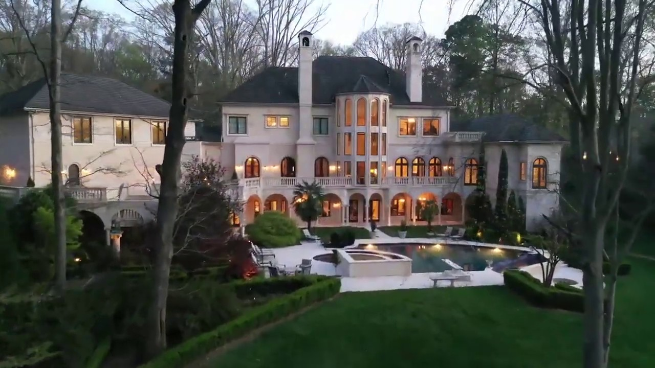 MODEL Of Cardi B & Offset New Home In Atlanta