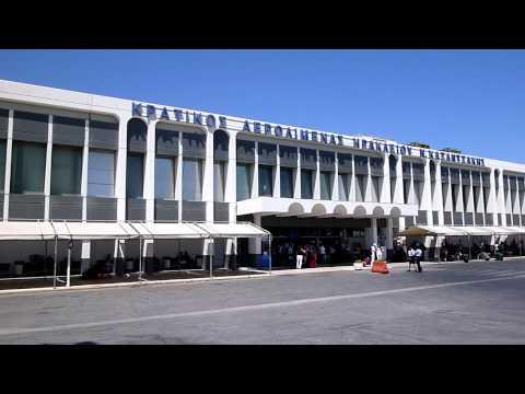 Nikos Kazantzakis Airport - Irakleion - Busstop - 22-07-2011 - 6