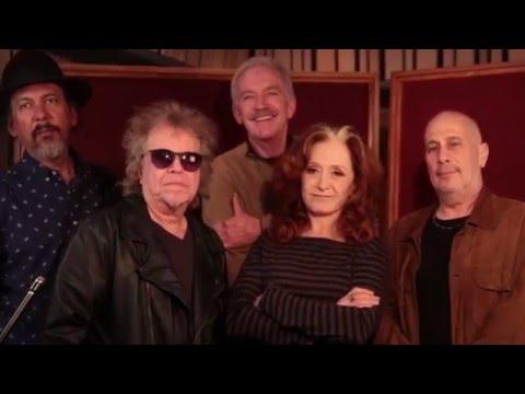 "Bonnie Raitt - Go Behind The Scenes - Making Of Her Album ""Dig In Deep"""