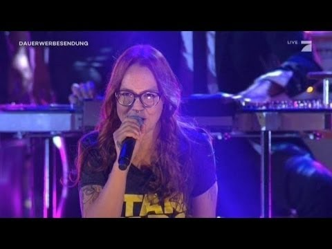 Blue Man Group feat. Stefanie Heinzmann - In The End