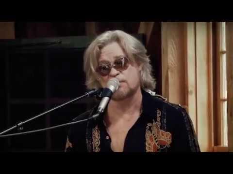 Daryl Hall & Chiddy Bang - Fall In Philadelphia