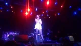 "Jennifer Hudson Carnival LIVE ""Saving All My Love"" with ""And I"