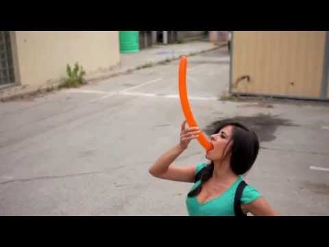 INÉS LA MAGA - globo - balloon thumbnail