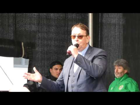 Father Ray Kelly - Halleluja  -  St Patricks Day München 2017