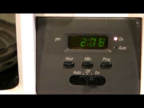 BLACK & DECKER 12 CUP SPACEMAKER COFFEE MAKER - YouTube