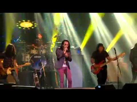 Faizal Tahir - Adrenalin & Superhero (live in KL)