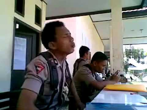 YouTube -Briptu Norman Polisi Gorontalo Nyanyi Lagu India Chaiyya, Chaiyya.flv