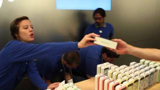 iPhone 5S Launch Day @ Apple Store Temecula(, 2013-09-20T21:23:24.000Z)