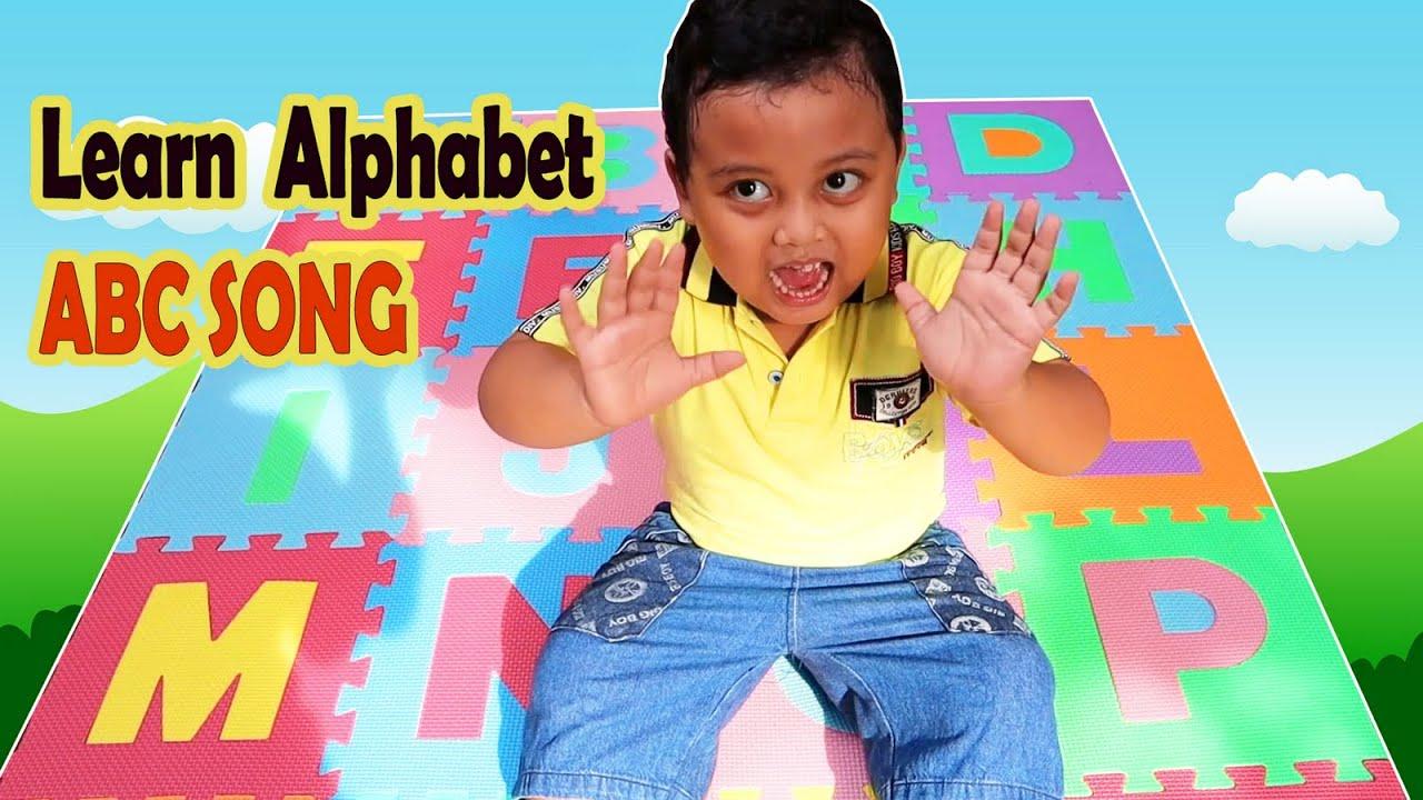 Reihan Learns English Alphabet with Phonics ABC Song