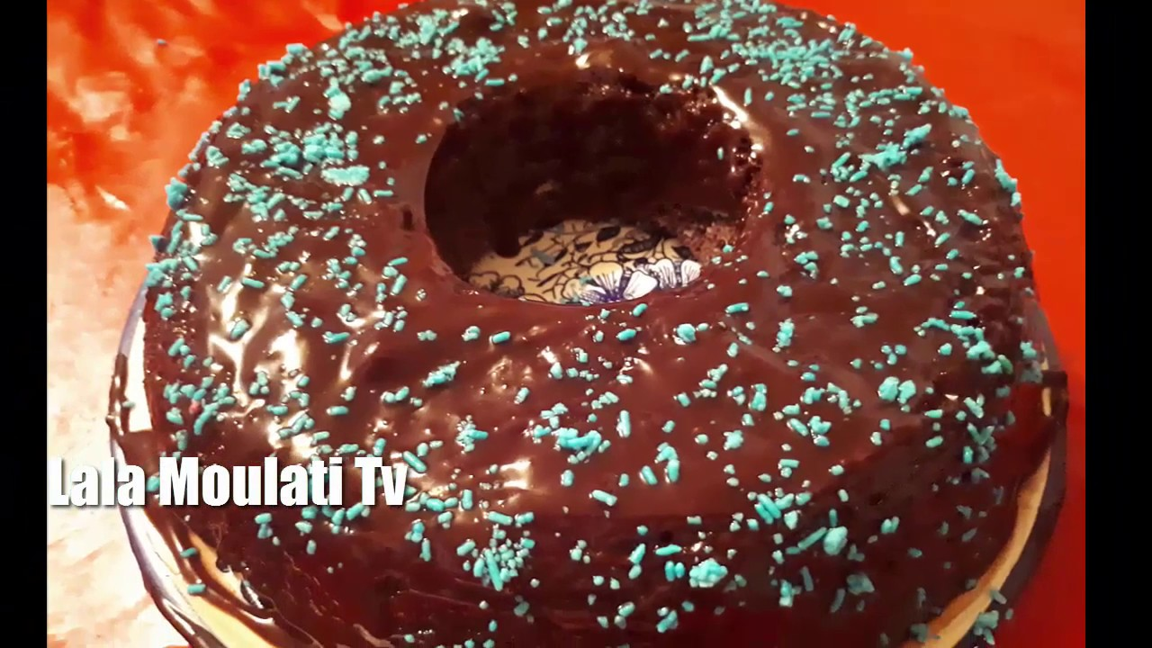 الكيكة اللي غادير ضجة في اليوتوب ..اقتصادية و بدون بيض و راقية في المنظر و المذاق