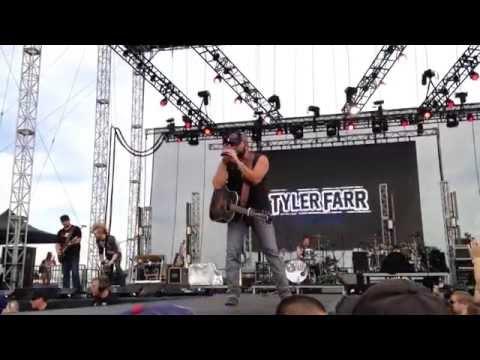 Tyler Farr - Ain't Even Drinkin' @ Indy