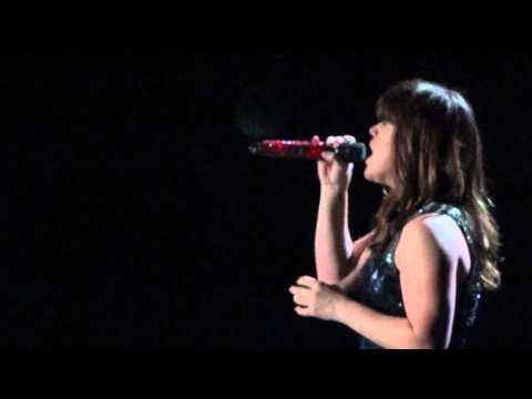Kelly Clarkson  Already Gone  in San Diego 41012