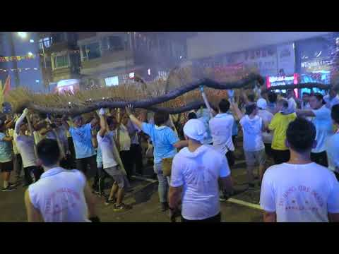 Hong Kong | The Tai Hang Fire Dragon Dance