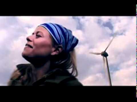 Maya - Není svatozář (2004)